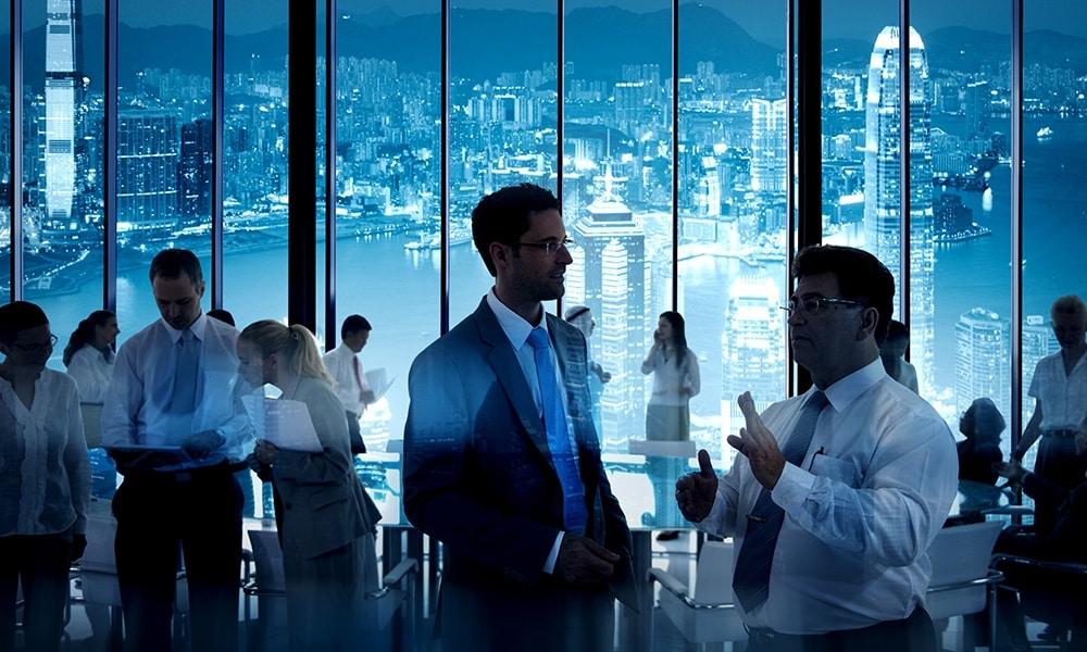 Discussion dans une réunion de networking - Darest Informatic SA