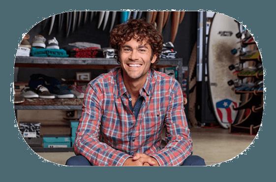 Homme souriant - Facilité et productivité avec HPE MSA - Darest Informatic