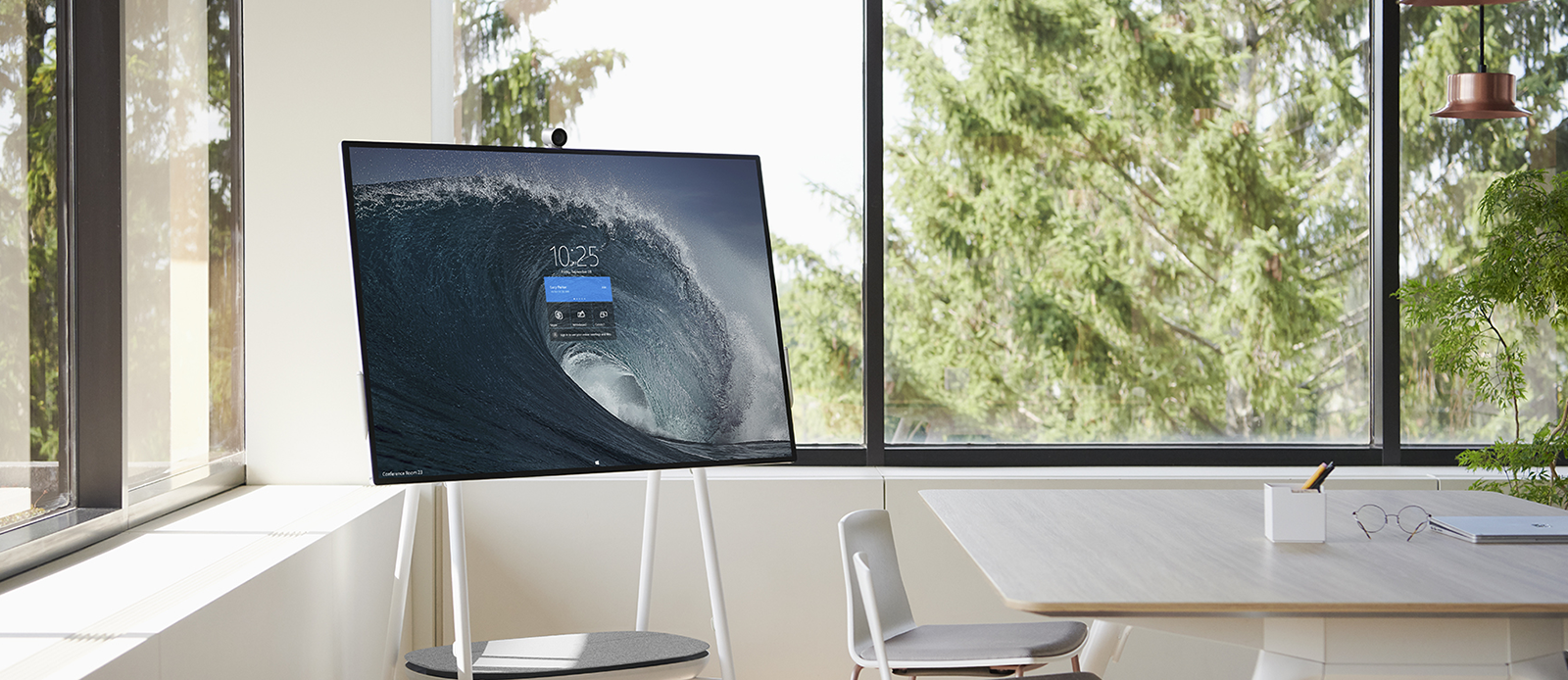 Banner Microsoft Surface Hub 2S - Collaboration - Darest