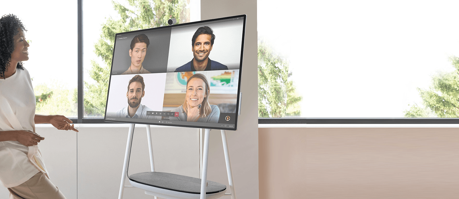 Banner - Microsoft Surface Hub 2S en home office - Darest